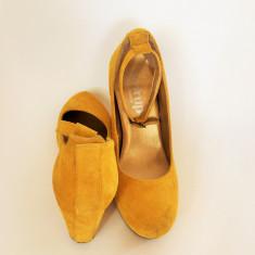 PANTOFI DE DAMA, PIELE INTOARSA, MARIMEA 39. - Pantof dama, Culoare: Mustar, Cu platforma