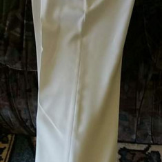 Costum alb de ceremonii
