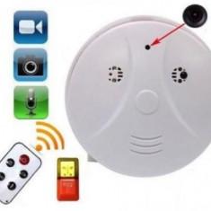 Camera Spion cu telecomanda, in forma de detector de fum