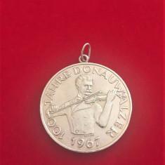 MEDALION ARGINT BARBAT CU VIOARA 20.26 GR - Pandantiv argint