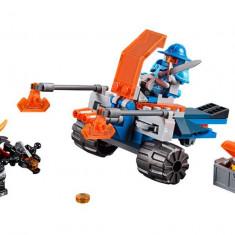 LEGO Nexo Knights - Masina de lupta din Knighton 70310