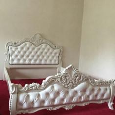 Pat dormitor lemn masiv sculptat manual
