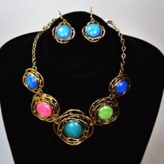 Set colier + cercei din pietre colorate