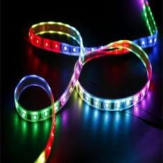 Banda RGB LED de 5 metri cu telecomanda si joc de lumini multicolore