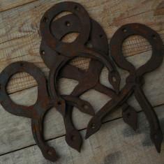 LOT 4 ORNAMENTE VECHI PT. OBIECTE DE LEMN, FĂURITE MANUAL DIN FIER LA NICOVALĂ! - Metal/Fonta