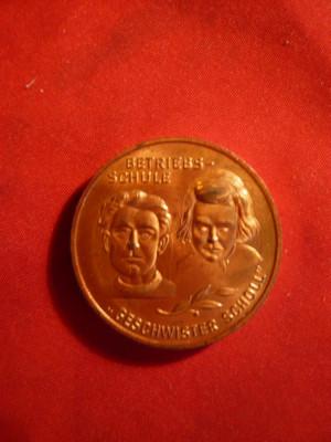 Medalie Germania - Fratii Scholl - Eroi Antifascisti - Scoala economica ,bronz foto