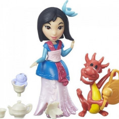 Figurina Hasbro Disney Princess Little Kingdom Small Doll & Friend Mulan'S Tea Party