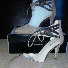 Pantofi Nude Din Piele Intoarsa - Pantof dama Nine West, Marime: 40, Cu toc