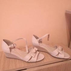 Sandale din piele diferite modele si culori - Sandale dama Geox, Culoare: Bej, Marime: 39