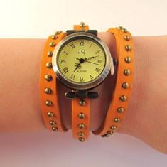 Ceas vintage curea cu tinte portocaliu