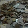 850 de monede străine și românești + 9 bancnote