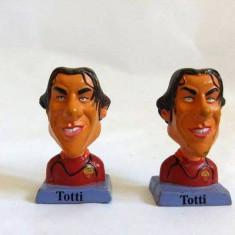 Lot 2 figurine fotbalisti (fotbal) bust Totti (dublura), 4cm, plastic, G.P.