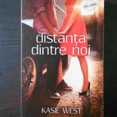 KASIE WEST - DISTANTA DINTRE NOI
