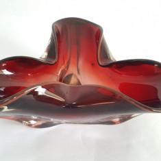 SCRUMIERA VECHE, VINTAGE STICLA ROMANEASCA MASIVA - Scrumiera sticla