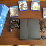 Vand PlayStation 4 Sony cu 2 manete si 4 jocuri