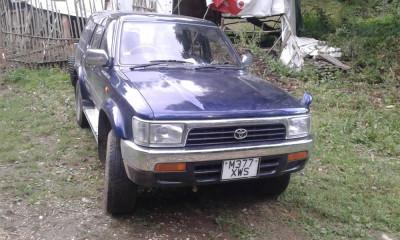 Toyota Hilux Surf foto
