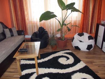 Apartament cu 2 camere zona garii Sfantu Gheorghe, Covasna foto