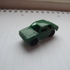 K109 Kinder - Volvo verde cu motoras K91N55 (1990) - Surpriza Kinder