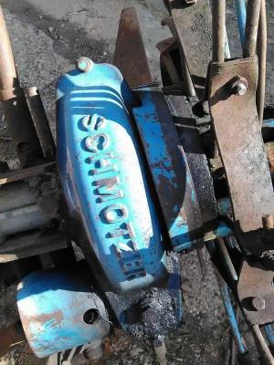 Masina de scos cartofi foto