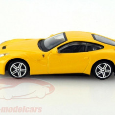 Ferrari F12 Berlinetta - galben - 1:43 Race & Play