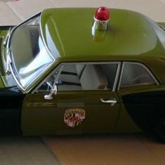 Macheta Chevrolet Biscayne 1966 Politia - AutoWorld (ERTL) 1/18