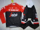 Echipament ciclism complet iarna toamna Trek Segafredo set NOU bluza pantaloni, Tricouri