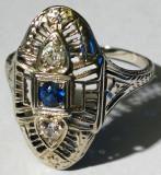 13.Inel vechi art deco cu diamante si safir 3,2 grame aur alb 18 carate