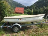 Barca din fibra pentru 4 persoane