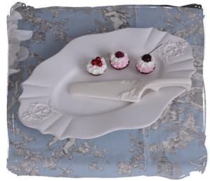 PLATOU TORT DIN PORTELAN ALB ANTICHIZAT  CW095