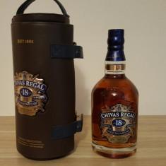 Whisky Chivas Regal 18 Ani Gold Signature in husa de piele ecologica