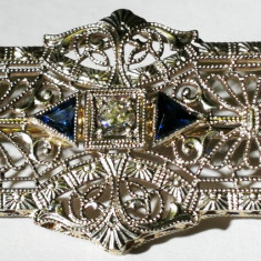22. Brosa 41x18 mm art deco 3, 9 grame aur alb marcat 14 k cu diamant - Brosa aur