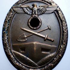 I.700 GERMANIA AL III-LEA REICH DECORATIE NAZISTA WEST WALL 40/33mm BRONZ