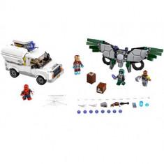 ATENȚIE LA VULTUR (76083) LEGO Marvel Super Heroes