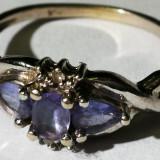 30.Inel aur alb 1, 4 gr. marcat 10 carate cu 2 diamante mici si 3 pietre albastre - Inel diamant, Carataj aur: 14k, Culoare: Galben