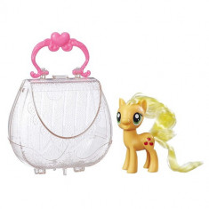 Figurina My Little Pony Applejack in Gentuta de Gala - Figurina Povesti Hasbro