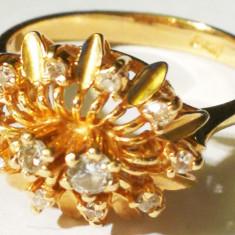 29. Inel aur 2, 9 grame marcat 10 carate cu 10 diamante mici si 2 mari - Inel diamant, Carataj aur: 14k, Culoare: Galben