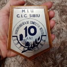 Confectii Reșița-MIU-CIC Sibiu-placheta metal pe lemn - Jubiliare