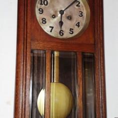 Ceas de perete cu pendula