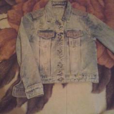 Vand haine diverse firme( Zara, VERO MOD.. - Bluza dama Zara, Marime: S, Culoare: Alb