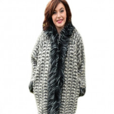 Jacheta usoara din lana, accesorizata cu gluga, de culoare gri (Culoare: GRI, Marime: 54) - Jacheta dama