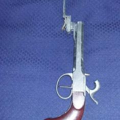 Pistol de PANOPLIE de epoca, pistol medieval cu baioneta (sulita)rabatabila, arma