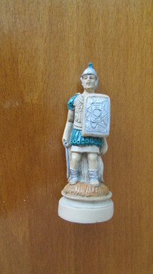 1-SOLDAT ROMAN-miniBIBELOU-praf de marmura,vintage-posibil piesa de sah foto