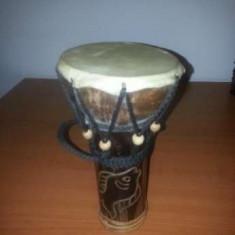 Toba africana artizanala lemn si piele inaltime 20 cm