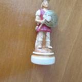 2-SOLDAT ROMAN-miniBIBELOU-praf de marmura, vintage-posibil piesa de sah - Bibelou vechi