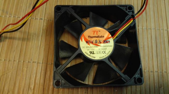 Ventilator PC Thermanltake 80 mm (13436) foto mare