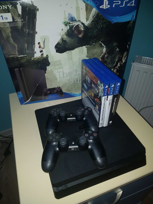 PlayStation 4 Jet Black foto mare