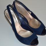 Vand pantofi din piele intoarsa (marimea 38) - Pantof dama Bata, Culoare: Albastru, Cu toc