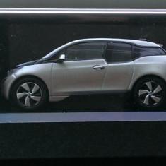 Macheta BMW i3 argintiu - scara 1/43 - Kyosho - Macheta auto