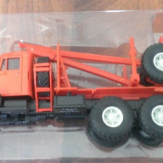 Macheta camion KrAZ 214L  Transport lemne- noua, scara 1/43