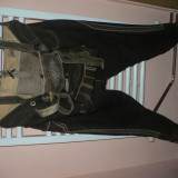 Reducere!Costum bavarez-piele 100% - Costum populare Steve Madden, Marime: 50, Culoare: Maro